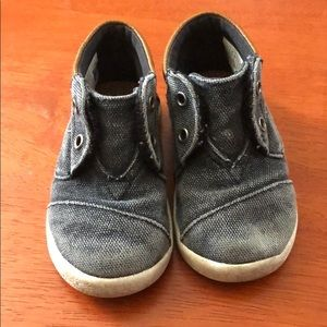 Lightly worn TOMS Boots for little boy!